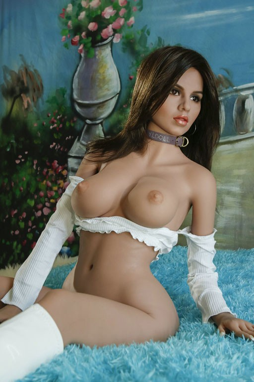 Sex doll Soraya Natural Curves 155 cm D cup