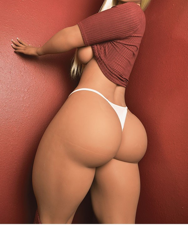 Sexy realdoll huge ass thicc